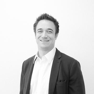 Dr. Bruno Rosales Saurer